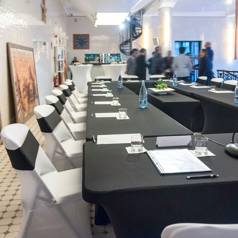 Funda elástica para mesa XL240 – Color Negro